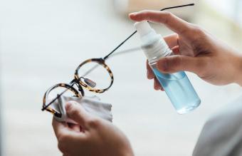 Best DIY Eyeglass Cleaner Recipes