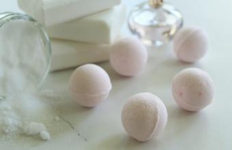 bath bombs on table