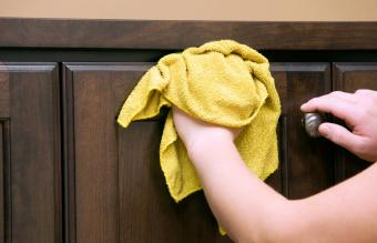 4 Proven Ways To Clean Sticky Wood Kitchen Cabinets Lovetoknow