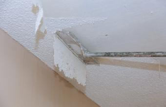 Scrapping a popcorn ceiling