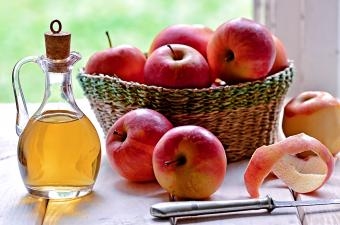 Can You Use Apple Cider Vinegar to Clean? Basics to Know