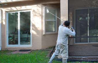 cleaning window screen with pressure washer