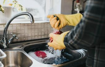 How to Wash Dishes: Practical Tips for an Ultimate Clean