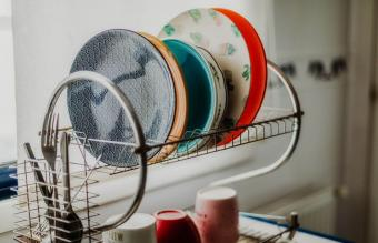 plates on drying board