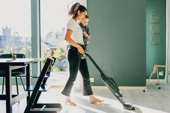 Mother vacuum cleaning