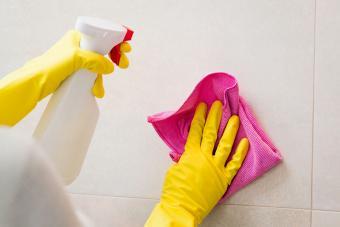 clean grout dawn vinegar solution spray bottle