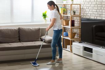 Homemade Laminate Floor Cleaner (Safe & Streak-Free)