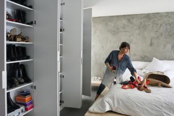 https://cf.ltkcdn.net/cleaning/images/slide/278599-850x567-organizing-shoes.jpg