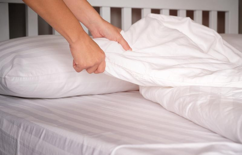 Lice On Bedding Lovetoknow, How Long Can Lice Live On Clothes And Bedding