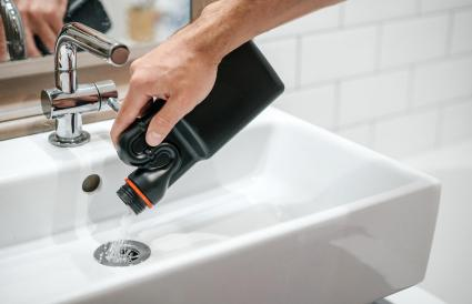 Removal of blockage in the sink