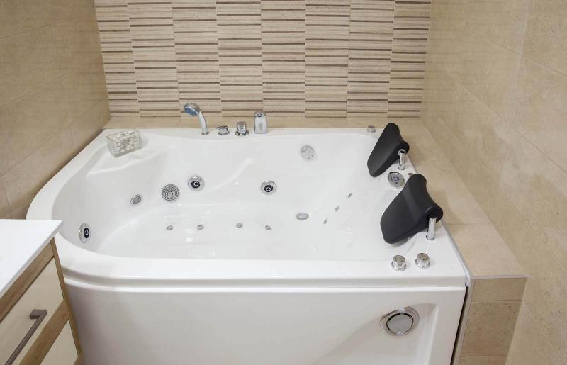 How To Clean Bathtub Jets For Sparkling Results Lovetoknow