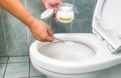 baking soda to clean toilet