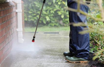 Cleaning with power pressure system