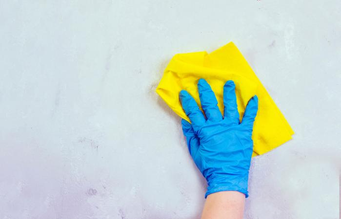 hand cleaning wall