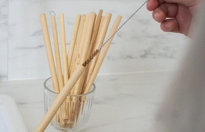 Cleaning bamboo straw
