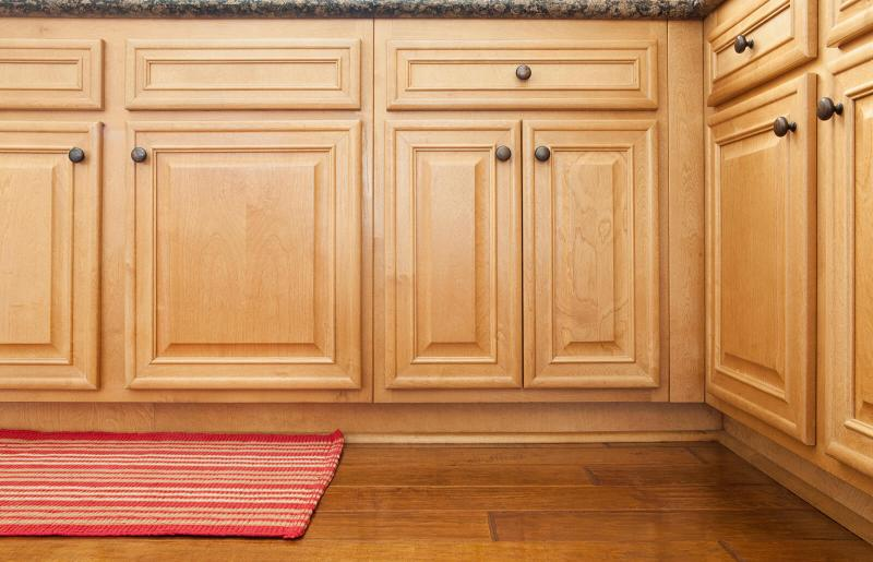 To Clean Sticky Wood Kitchen Cabinets, Cleaning Kitchen Cabinets With Dawn