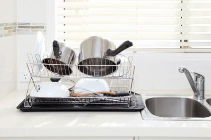 Clean dishes after washing up