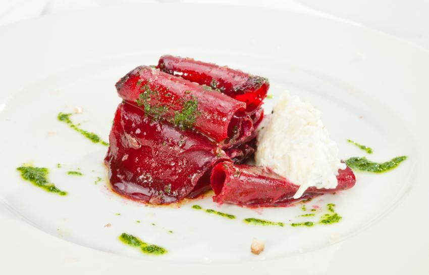 https://cf.ltkcdn.net/cocina/images/slide/218089-850x544-Remolacha-con-queso-de-cabra.jpg