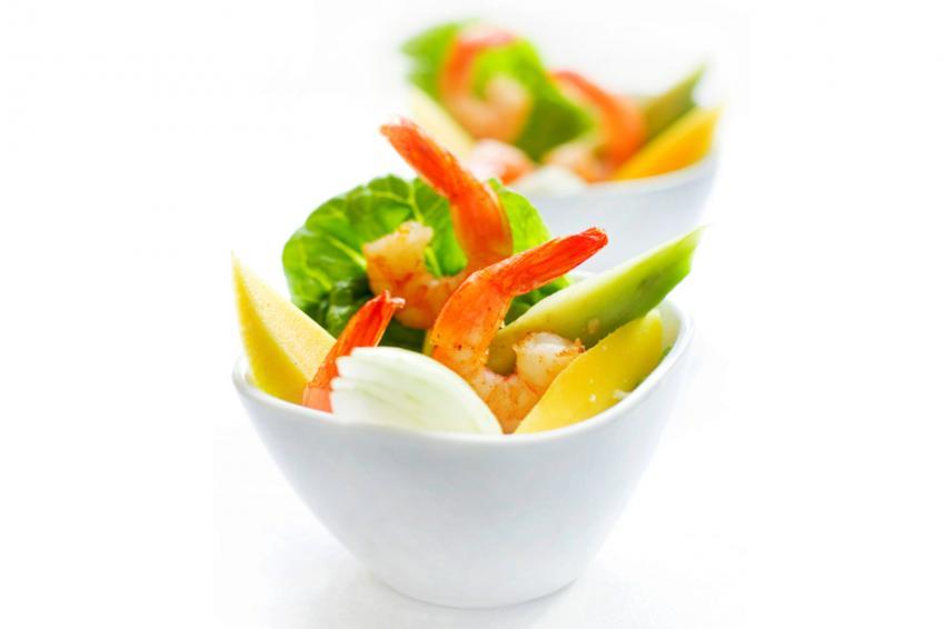 https://cf.ltkcdn.net/cocina/images/slide/218091-850x566-Copas-de-frutas-vegetales-y-camarones.jpg