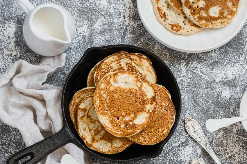 https://cf.ltkcdn.net/cocina/images/slide/226737-850x567-Quinoa-pancakes.jpg