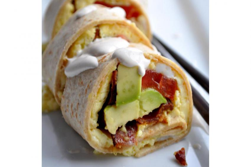https://cf.ltkcdn.net/cocina/images/slide/226742-850x567-California-Roll-Breakfast-Sushi.jpg