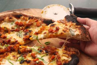 https://cf.ltkcdn.net/cocina/images/slide/218596-850x567-Pizza_con_pure_de_calabaza.jpg