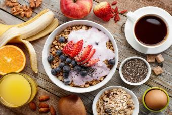 https://cf.ltkcdn.net/cocina/images/slide/226732-850x567-Breakfast-ingredients.jpg