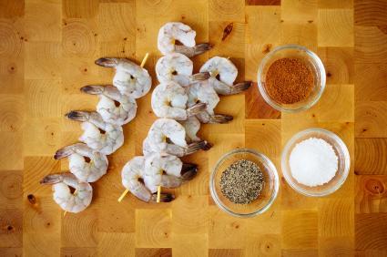 Pinchos de camarón.
