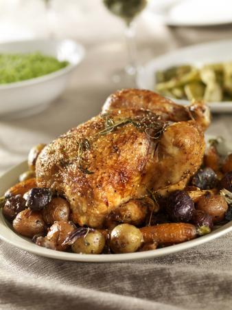 Alt pollo asado con verdaduras de raiz