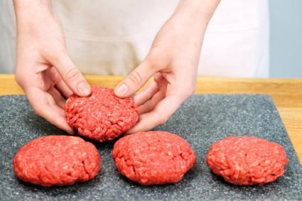 hamburguesas moldeadas listas para asar