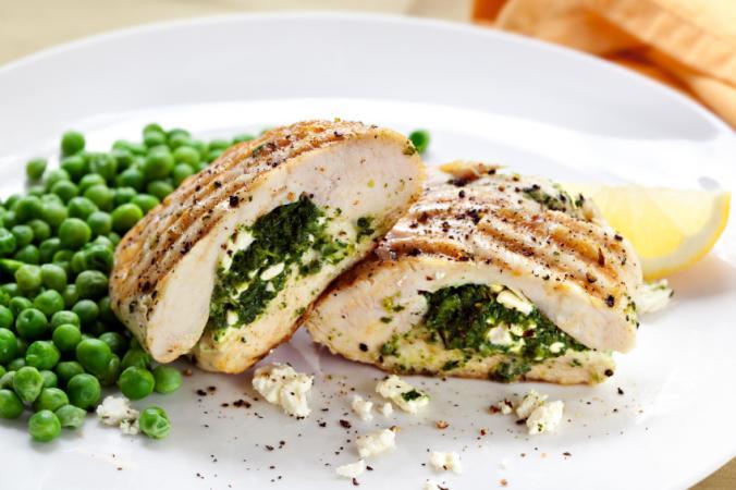 Pechugas de pollo con espinacas y queso
