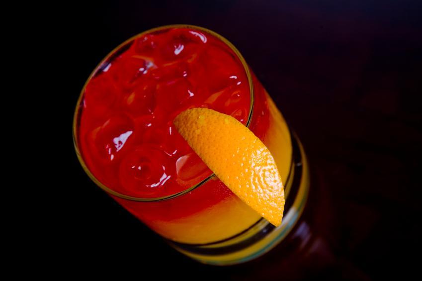 https://cf.ltkcdn.net/cocktails/images/slide/108361-849x565-Tequila_Sunrise.jpg
