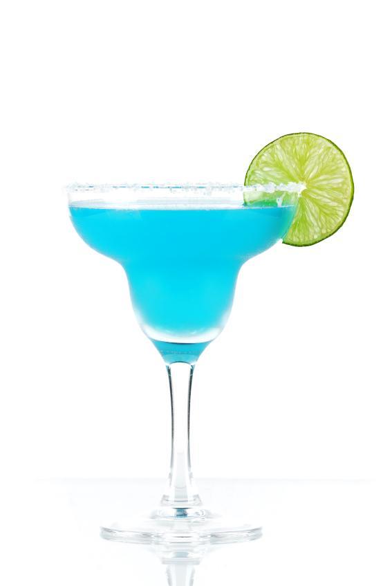 https://cf.ltkcdn.net/cocktails/images/slide/108364-567x847-Blue_margarita.jpg