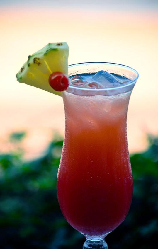 https://cf.ltkcdn.net/cocktails/images/slide/175778-539x850-Caribbean-Breeze-Cocktail.jpg
