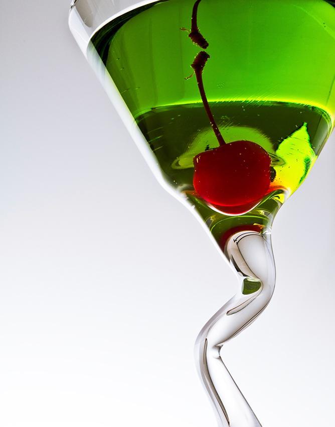 https://cf.ltkcdn.net/cocktails/images/slide/182962-668x850-happy-elf.jpg