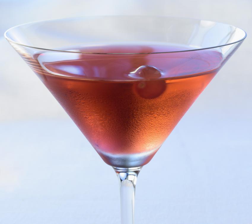 https://cf.ltkcdn.net/cocktails/images/slide/251854-850x756-fruitcake-coctkail.jpg