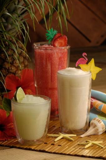 11 Frozen Blender Drink Recipes With Alcohol: Deliciously Chill
