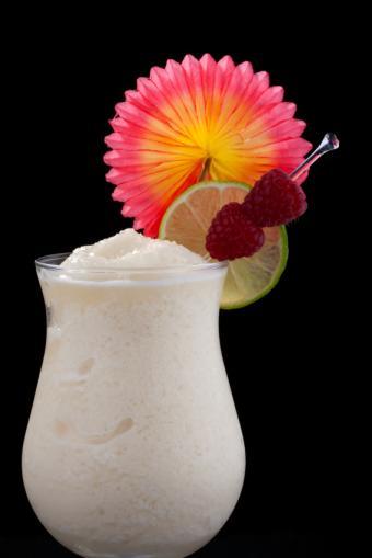 https://cf.ltkcdn.net/cocktails/images/slide/108418-566x848-Frozen_banana_Daiquiri.jpg