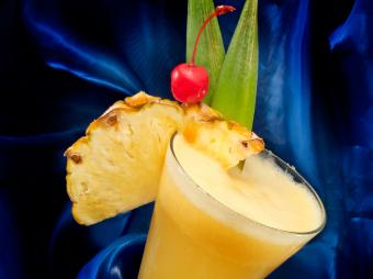 https://cf.ltkcdn.net/cocktails/images/slide/108419-801x599-Frozen_pineapple_Daiquiri.jpg