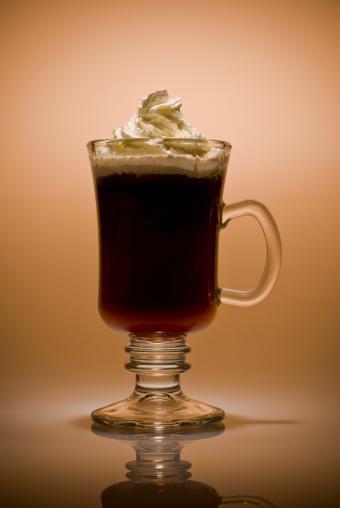 https://cf.ltkcdn.net/cocktails/images/slide/125700-567x847r1-Irish-coffee.jpg