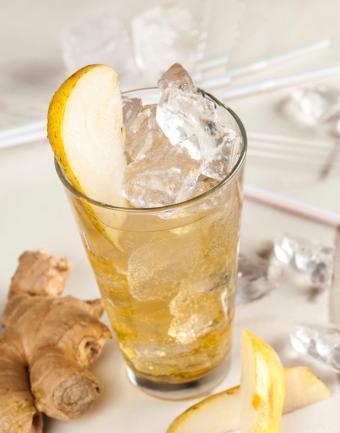 https://cf.ltkcdn.net/cocktails/images/slide/182964-668x850-pear-ginger-beer.jpg