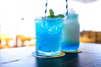 5 Tasty Blue Curaçao Cocktails With Rum + Sweet and Sour