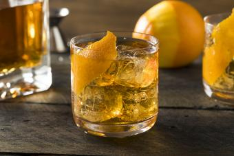 Diabetic-friendly old-fashioned cocktail