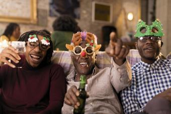 https://cf.ltkcdn.net/cocktails/images/slide/251855-850x567-christmas-party.jpg