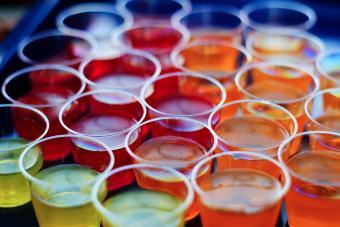 https://cf.ltkcdn.net/cocktails/images/slide/252248-850x567-gelatin-shots.jpg