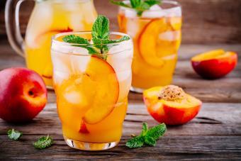 Vodka, Peach Schnapps, and Lemonade