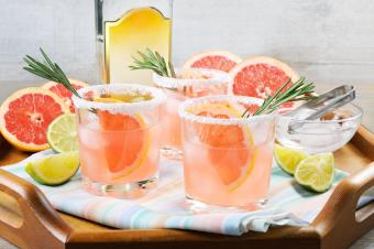 Cocktail sparkling pink Paloma