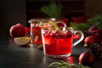 Christmas cranberry and apple cider garnish rosemary