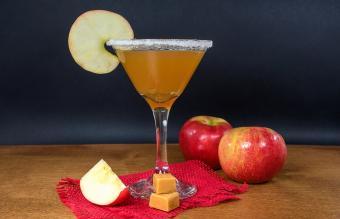 Caramel Apple Martini Recipes: Sweet & Simple