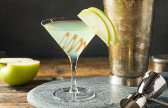Classic Caramel Apple Martini